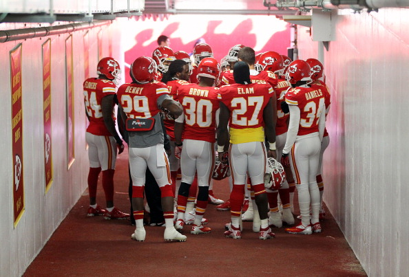 A Day Removed from Tragedy, Chiefs Top Panthers 27-21 for 2nd W…