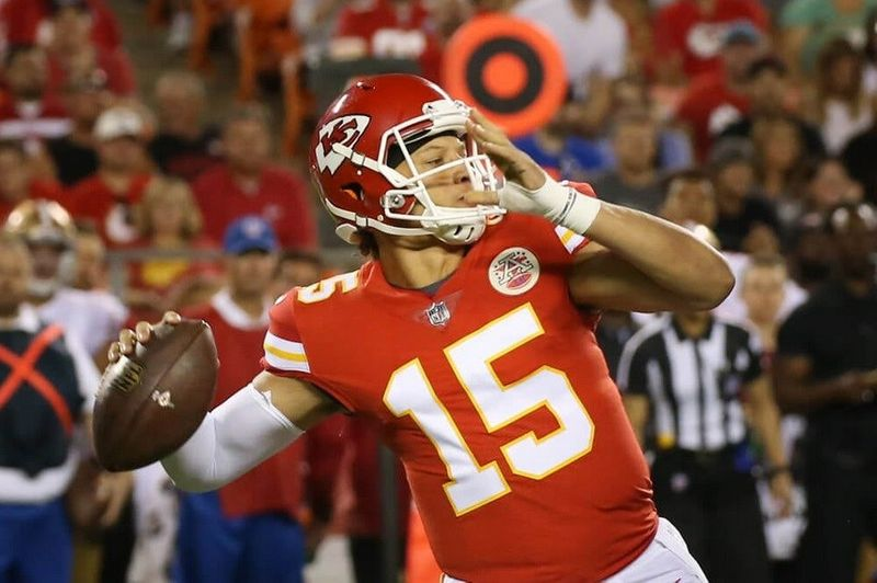 Taking a Glance at the Next Four Games for the AFC West Leading Chiefs